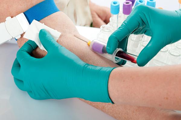 blood vs saliva DNA collection